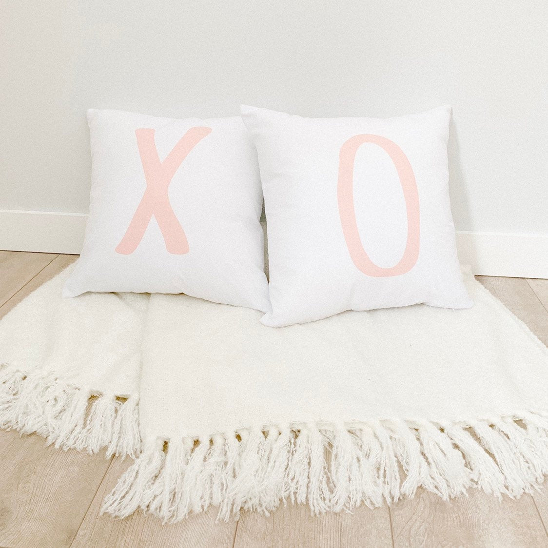 Little Lily Shop XO Pillow Case Set of 2