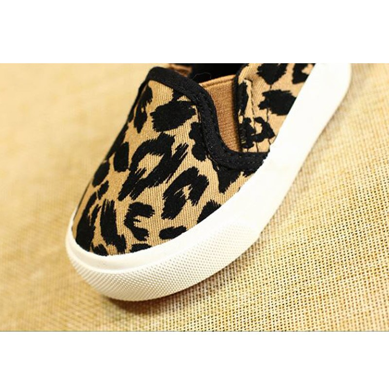 Spring Kids Shoes Boys Girls Casual Shoes Fashion Leopard Print Comfortable Canvas Shoes Children Sneakers Slip On Loafers