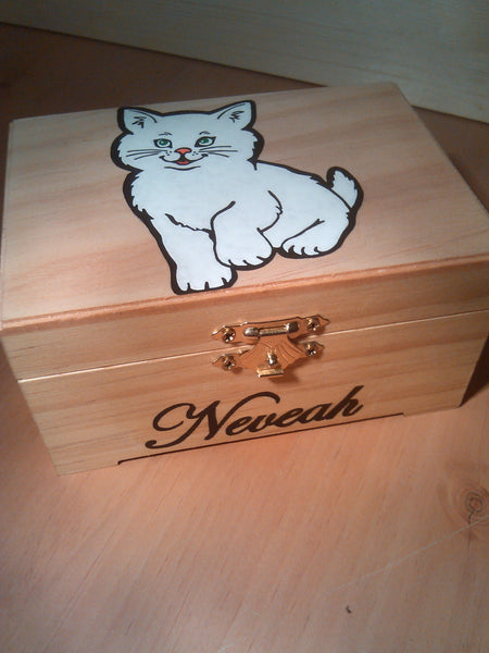 "rare hand made collectible "" fluffy cat "" trinket box"
