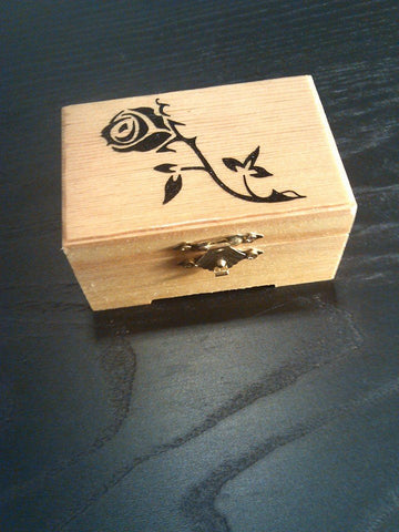 "rare hand made collectible "" rose "" trinket box"