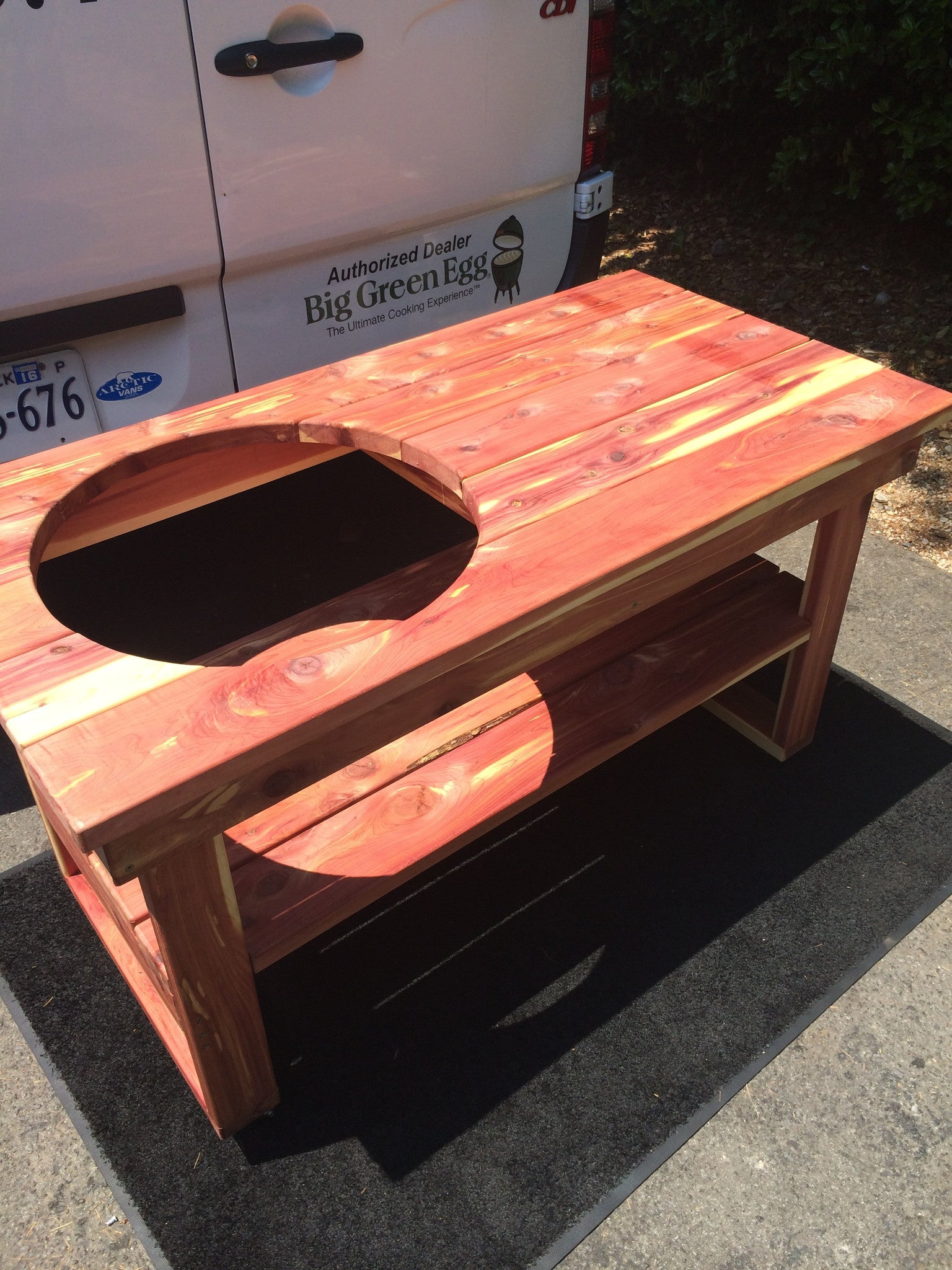 Big Green Egg Cedar Grill Table - For Large Egg - The Organic ...