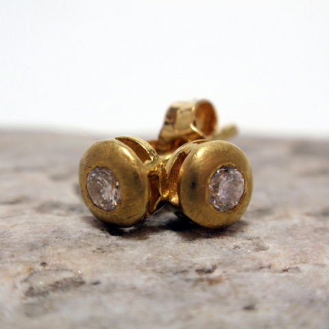 Round Gold Studs with Diamond