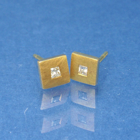 18ct Diamond studs
