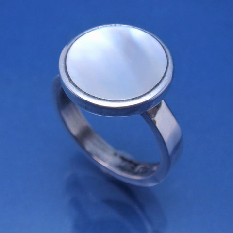 'Mother of Pearl' Silver ring