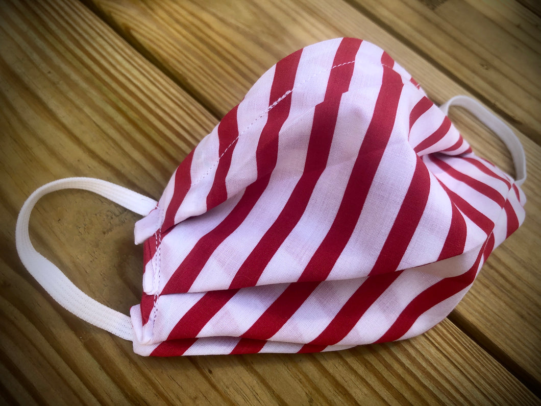 Red/white stripes face covering with pocket for filter
