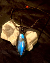 Load image into Gallery viewer, Labradorite with labradorite bead pendant