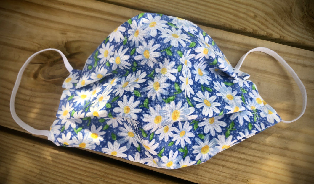 Daisy print face covering with pocket for filter