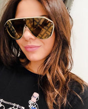Load image into Gallery viewer, Fendi FFM0039/G/S Fabulous Logo Mirrored Sunglasses in Beige Mirrored