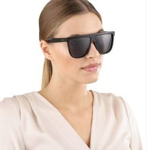 Load image into Gallery viewer, Gucci 0582S Square Flat Top Sunglasses