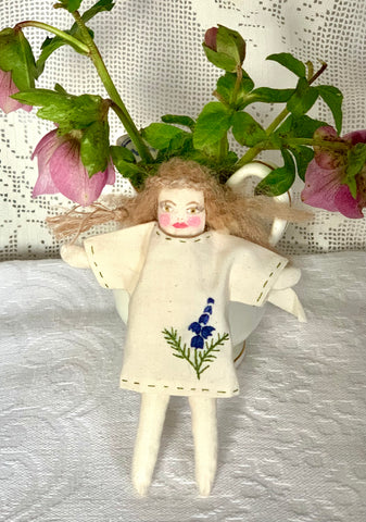 Atelier Holland Art Doll - Hand embroidered/ stitched/ painted