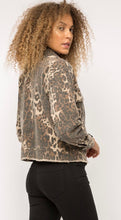 Load image into Gallery viewer, Leopard Trucker Jacket