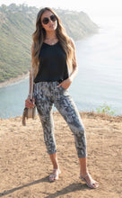 Load image into Gallery viewer, Camo Stud Stripe Jogger