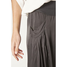 Load image into Gallery viewer, Rayon Black Flare pant