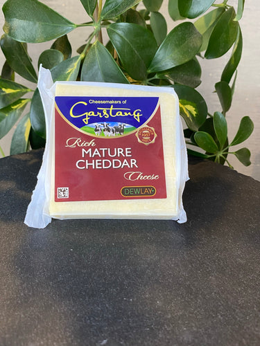 Dewlay Mature White Cheddar cheese
