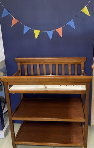 Minnows Childhood Goods Delta Children's Wooden Changing Table * IN-STORE PICKUP ONLY *