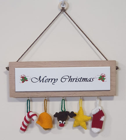 Hanging Sign with 5 Ornaments - Large - Merry Christmas