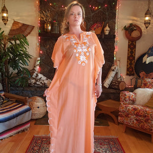 70s Apricot Floral Embroidered Kaftan - Women Medium - Embroidered Tunic Dress - Embroidered Muumuu - Hippie Caftan Dress - Festival Fashion