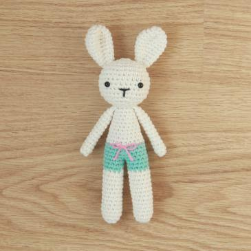 Free Bunny Pants Crochet Amigurumi Pattern - Little Bear Crochets