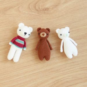 Free Polar Bear Crochet Amigurumi Pattern Polar Bear with Minis on Ground