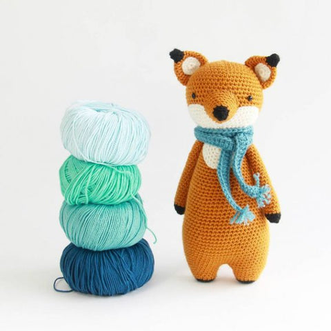 Tall Fox with yarn