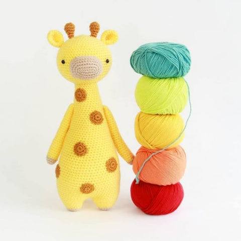 Tall Giraffe with yarn