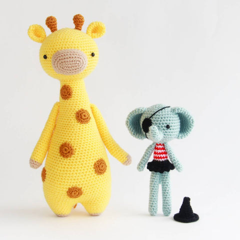 Free Halloween Elephant Crochet Pattern with Tall Giraffe