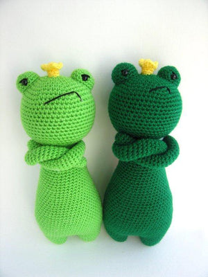 King Frog PDF Amigurumi Crochet Pattern - Little Bear Crochets