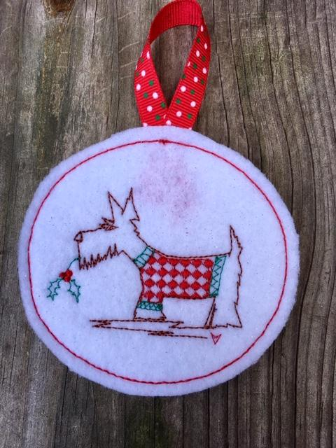 ITH Christmas Scottie Dog Bauble - Embroidery Design