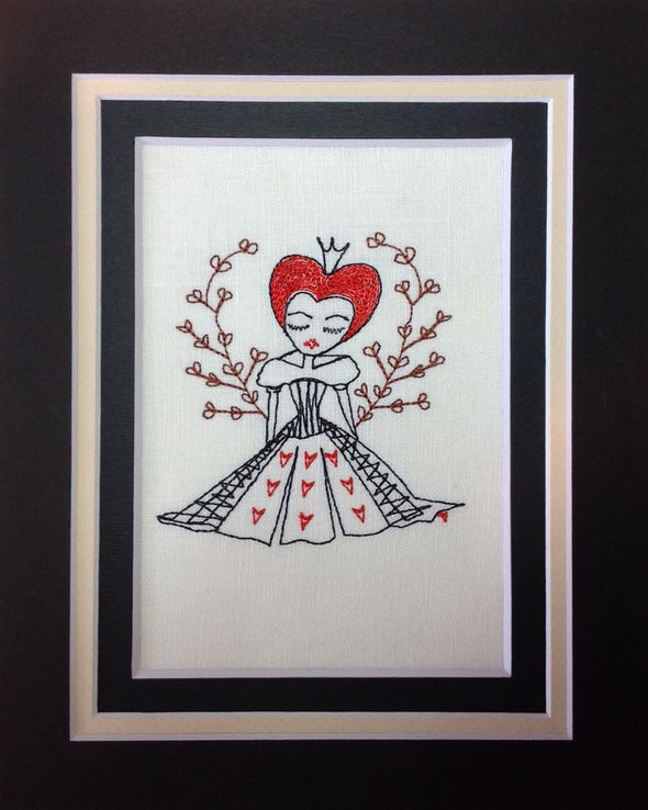 Alice in Wonderland Collection - Queen Flower Hearts - Embroidery Design