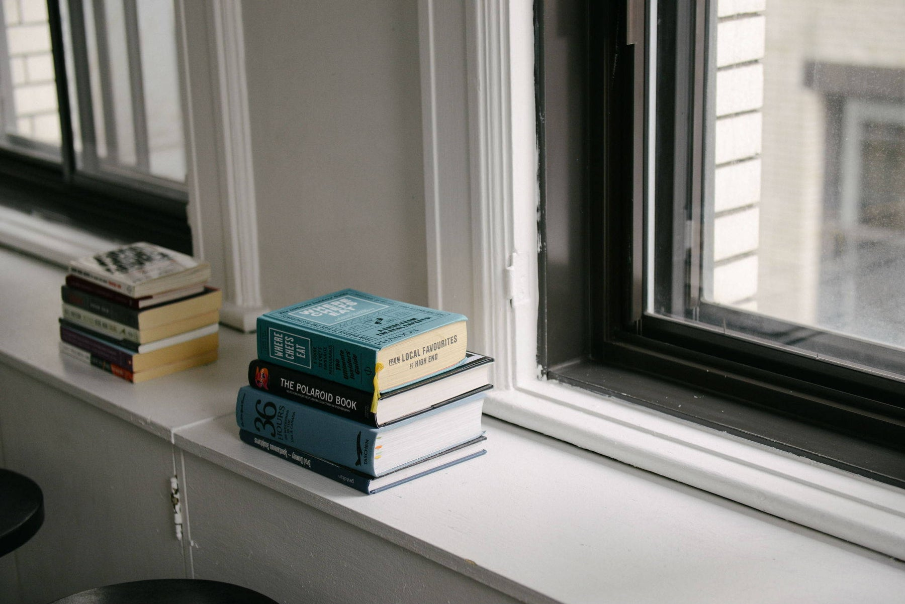HOW TO CLEAN WINDOW SILLS