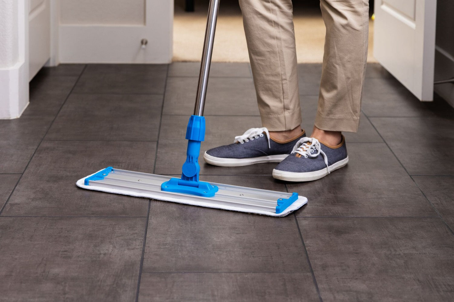 20 Inch Pad Featured. 18 inch microfiber scrubber mop pad for laminate floors