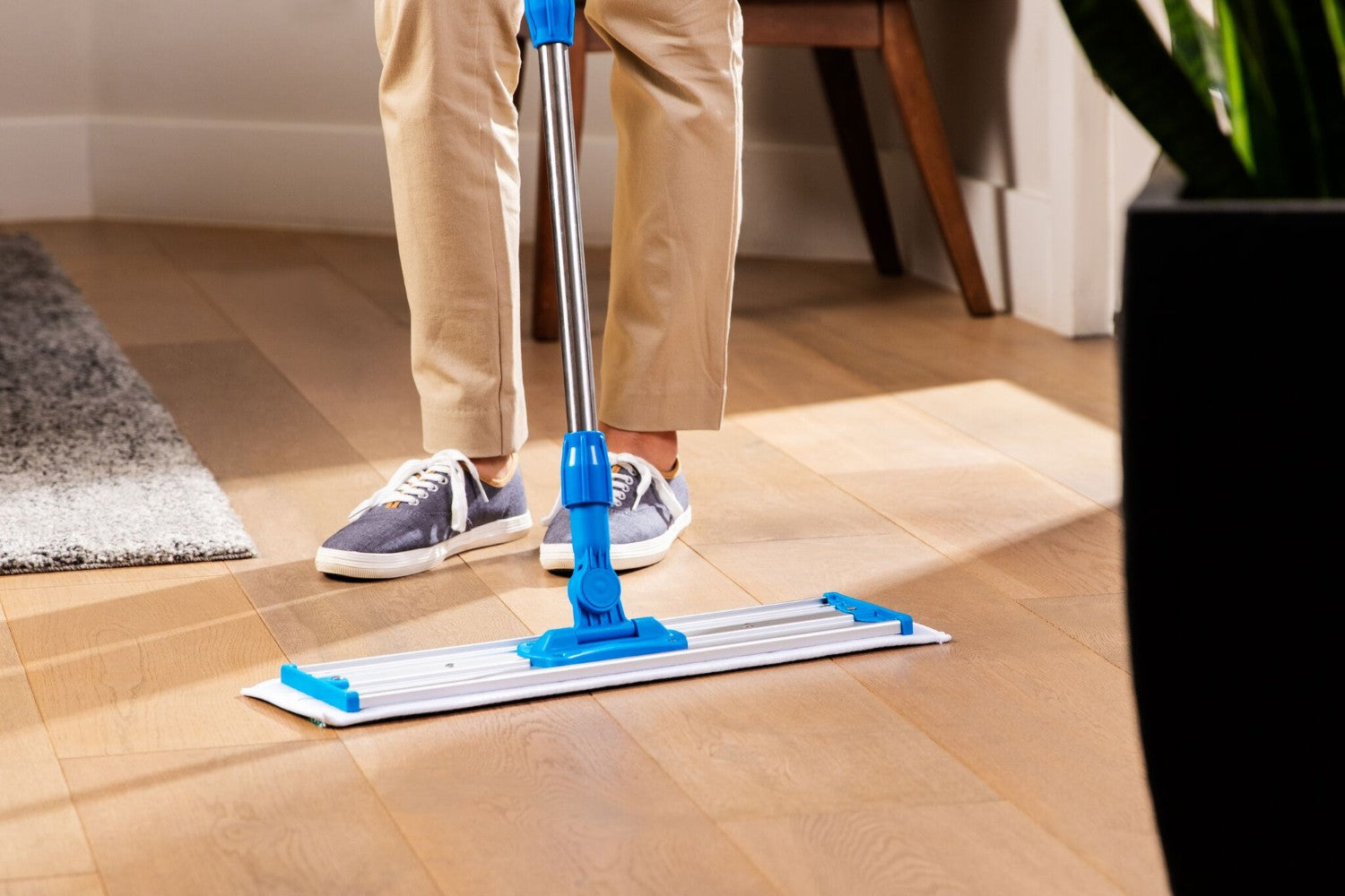 20 Inch Pad Shown-48 Inch Microfiber Dust Mop For Cleaning Hard Floor Surfaces MDM50