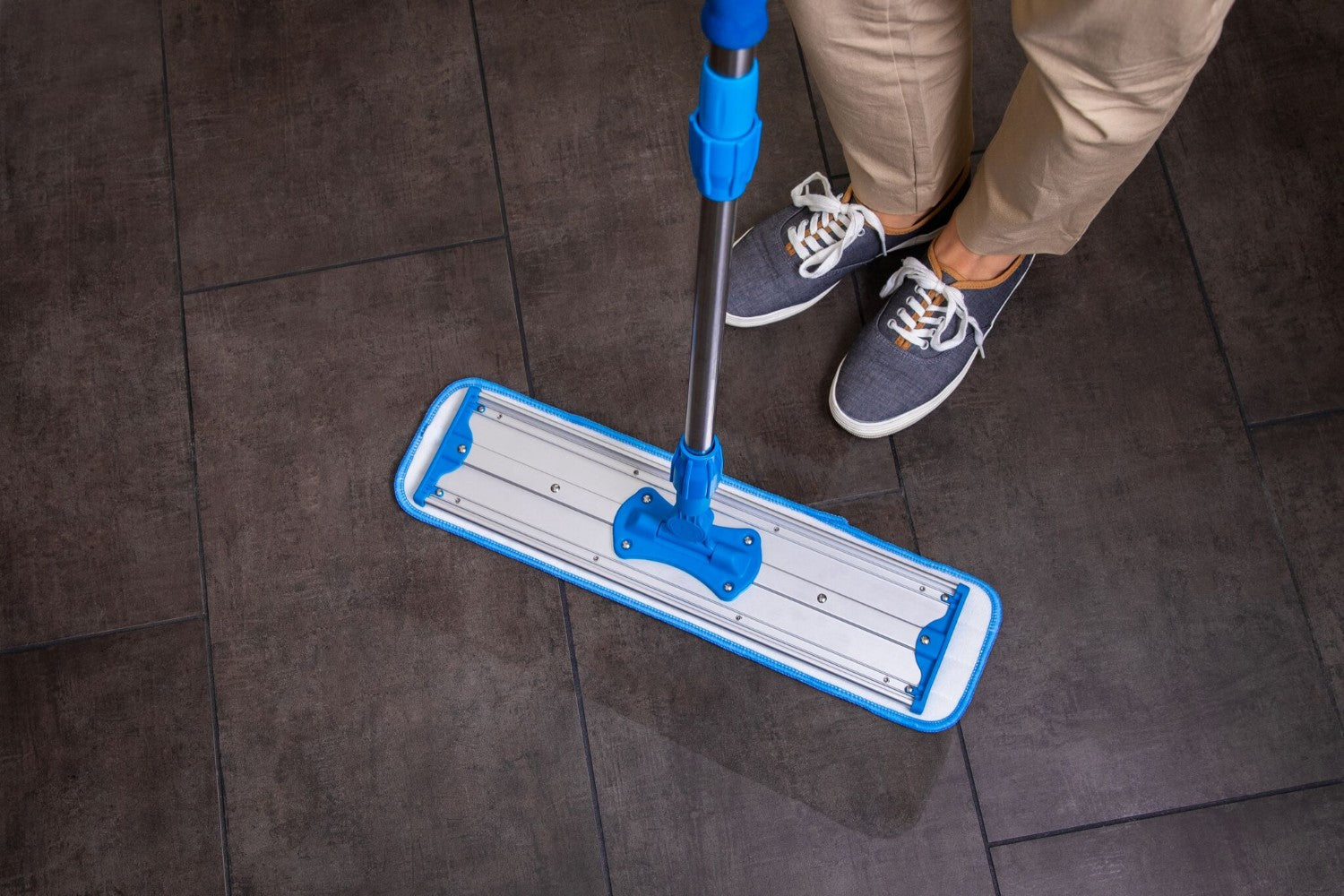 MWM20-microfiber mop covers tile floors
