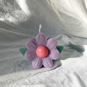 Vintage Flower Shaped Soy Wax Candle │ Kawaii Candle │ Yui Brooklyn
