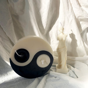 DX Yin Yang Shaped Soy Wax Candle │ Kawaii Candle │ Yui Brooklyn