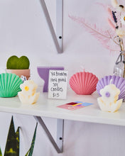 Load image into Gallery viewer, Color Shell Scented Soy Wax Shape Candle  │ Kawaii Candle