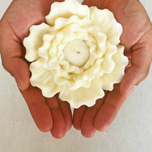 Load image into Gallery viewer, Big Flower Soy Wax Shape Candle  │ Kawaii Candle