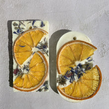 Load image into Gallery viewer, Lavender & Orange  Botanical Soy Wax Tablet