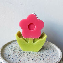 Load image into Gallery viewer, [L] Retro Flower Shaped Candle │ Kawaii Candle