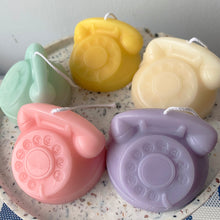 画像をギャラリービューアに読み込む, Colorful Retro Rotary Dial Phone Shape Candle │ Kawaii Candle