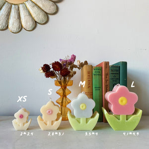 [L] Retro Flower Shaped Candle │ Kawaii Candle