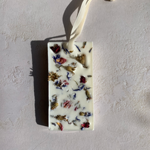 Load image into Gallery viewer, Lavender Botanical Soy Wax Tablet