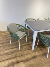 Load image into Gallery viewer, Green Fishnet dining Set for 8