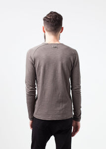 Daris Tee in Olive