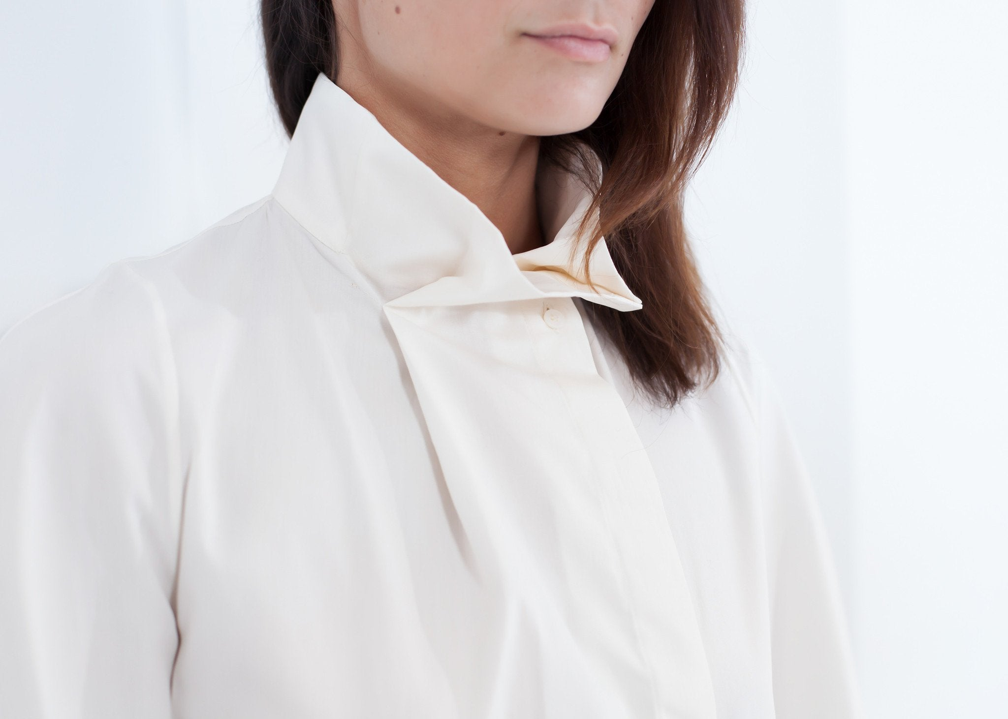 Full Collar Poplin Blouse in Off White