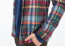 Load image into Gallery viewer, Riccardo Button-Up in Plaid Multi