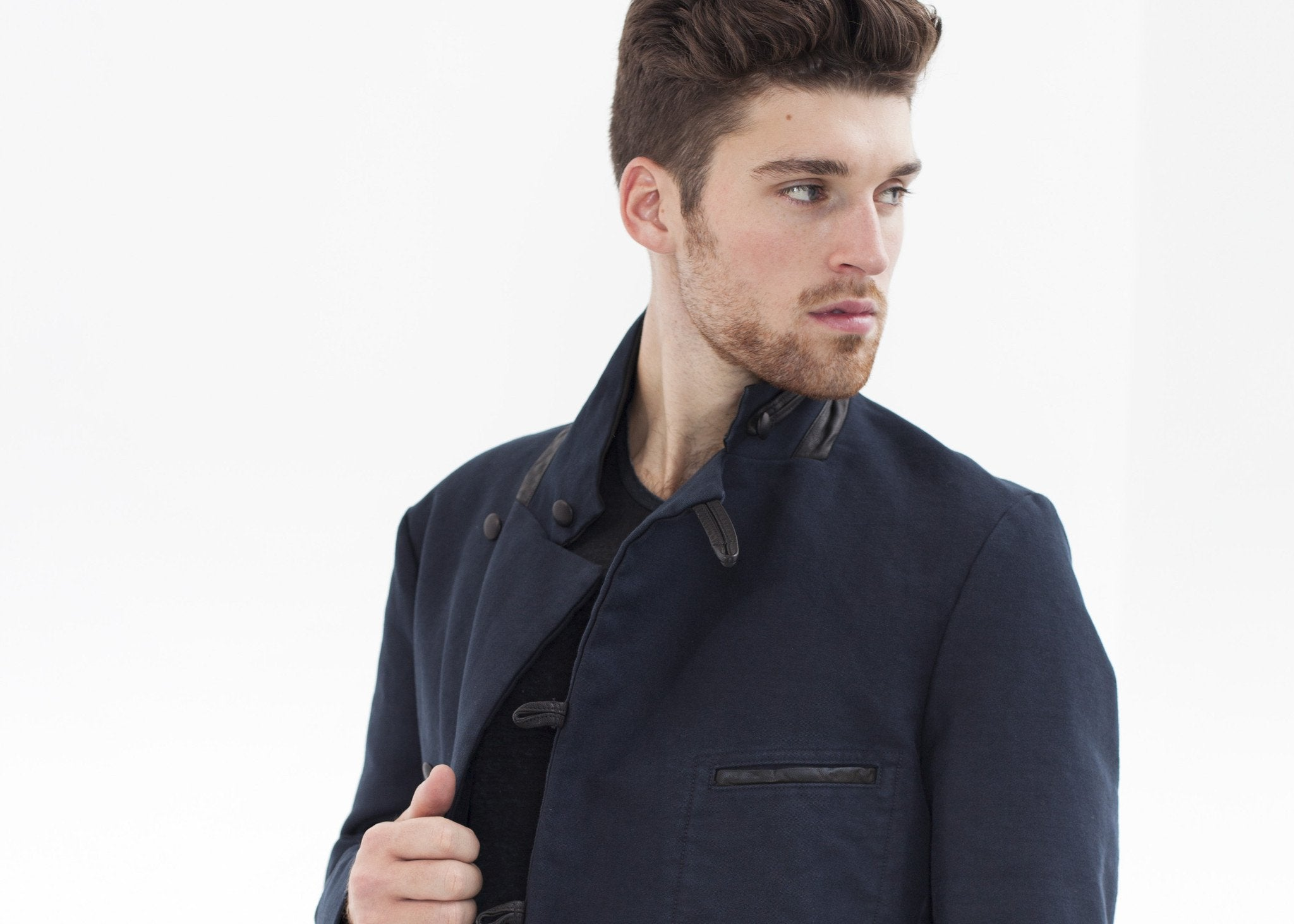 Taurin Jacket in Navy