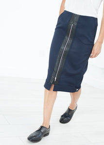 Contrast Zipper Skirt in Navy
