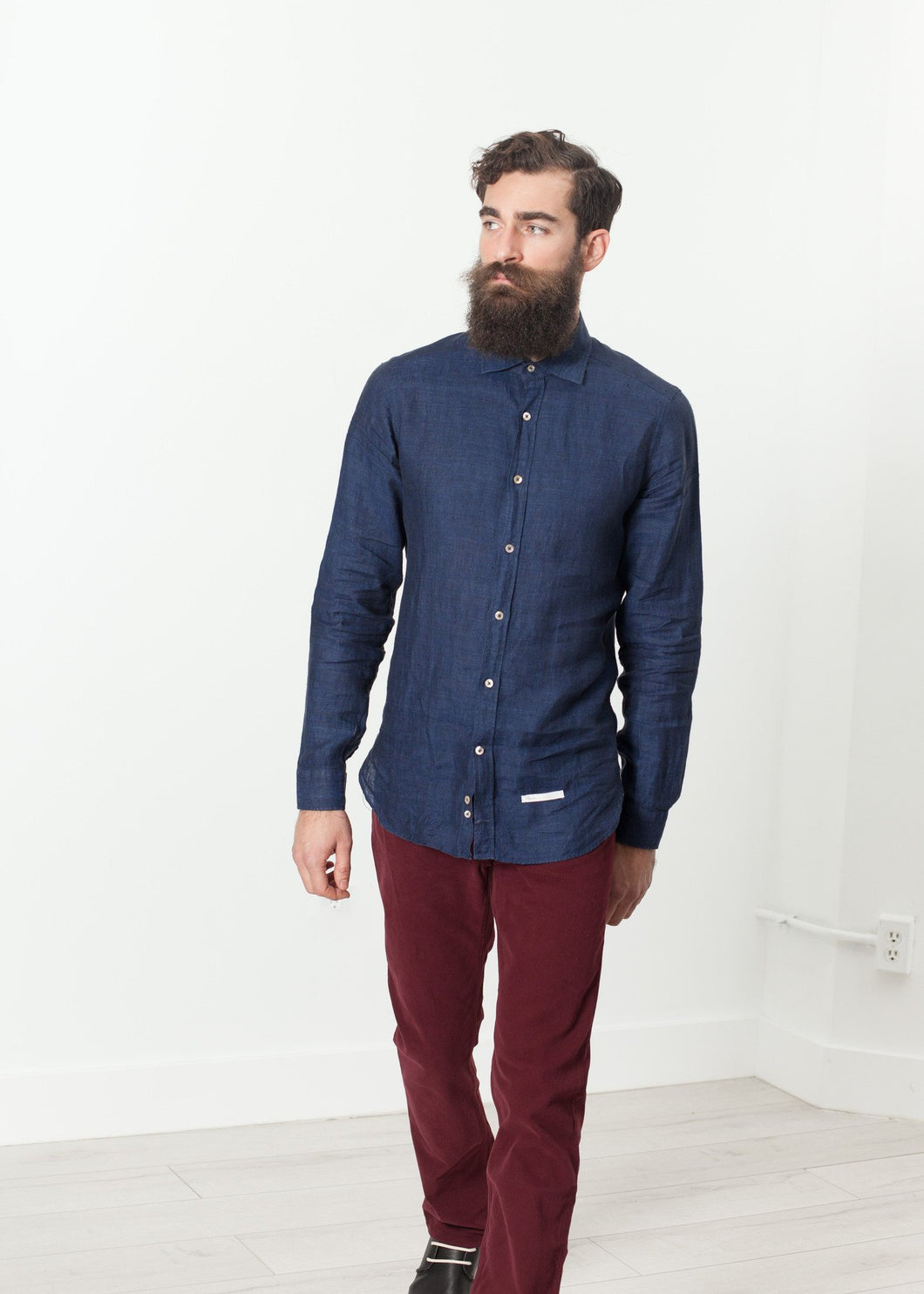 Button Up Shirt in Navy