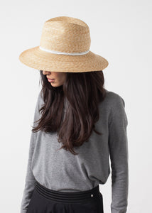 Wrapped Up Hat in Straw/White